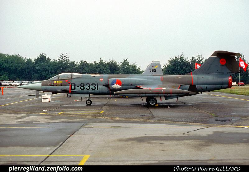 Pierre GILLARD: Military : Netherlands &emdash; 049644