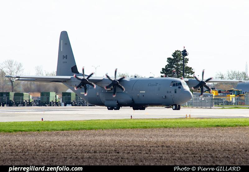 Pierre GILLARD: 436 Squadron - Escadron 436 &emdash; 2021-626303