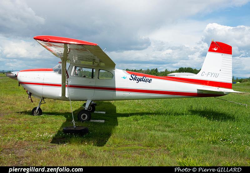 Pierre GILLARD: Parachute Jumping - Parachutisme &emdash; 2021-429558