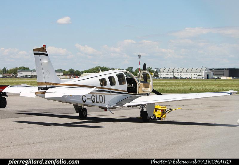 Pierre GILLARD: Private Aircraft - Avions privés : Canada &emdash; 030631