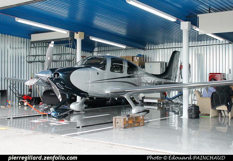 Pierre GILLARD: Private Aircraft - Avions privés : Canada &emdash; 030633