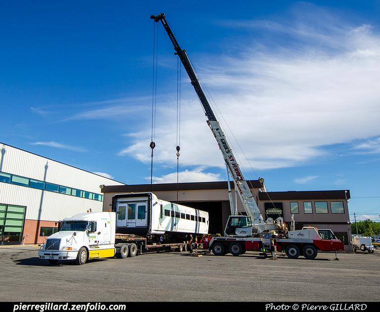 Pierre GILLARD: 2021-09-16 - Arrivée de véhicules transbordeurs de l'aéroport de Mirabel &emdash; 2021-714822