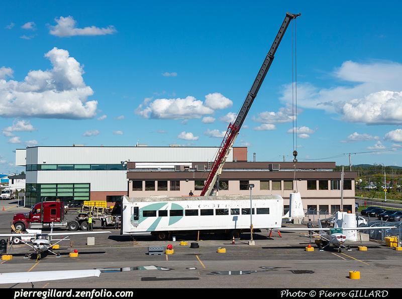 Pierre GILLARD: 2021-09-16 - Arrivée de véhicules transbordeurs de l'aéroport de Mirabel &emdash; 2021-430765