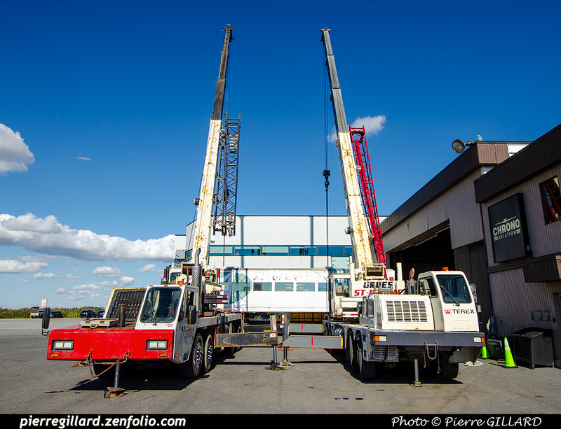 Pierre GILLARD: 2021-09-16 - Arrivée de véhicules transbordeurs de l'aéroport de Mirabel &emdash; 2021-714844