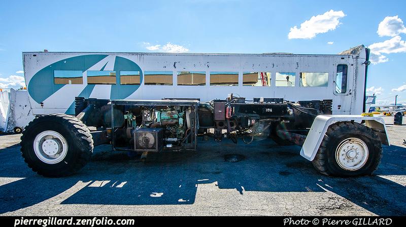 Pierre GILLARD: 2021-09-16 - Arrivée de véhicules transbordeurs de l'aéroport de Mirabel &emdash; 2021-714850