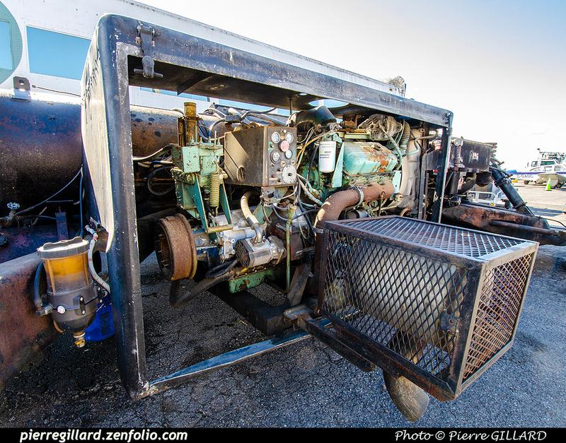 Pierre GILLARD: 2021-09-16 - Arrivée de véhicules transbordeurs de l'aéroport de Mirabel &emdash; 2021-714852