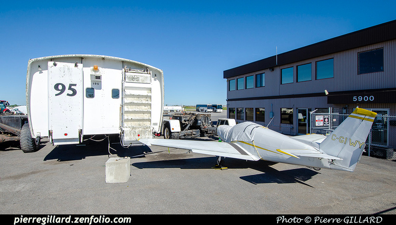 Pierre GILLARD: 2021-09-16 - Arrivée de véhicules transbordeurs de l'aéroport de Mirabel &emdash; 2021-714869