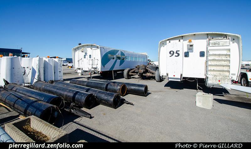 Pierre GILLARD: 2021-09-16 - Arrivée de véhicules transbordeurs de l'aéroport de Mirabel &emdash; 2021-714867