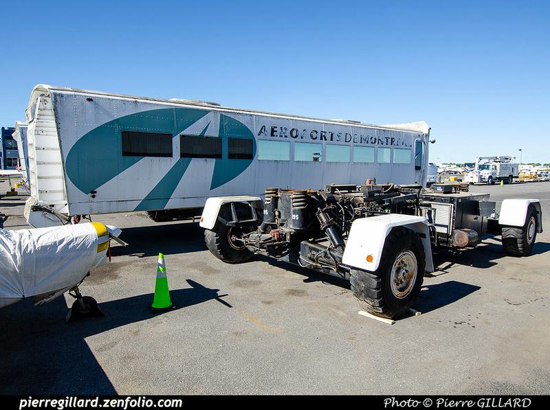 Pierre GILLARD: 2021-09-16 - Arrivée de véhicules transbordeurs de l'aéroport de Mirabel &emdash; 2021-714875