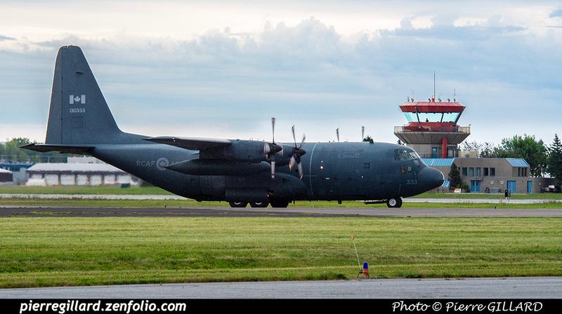 Pierre GILLARD: 424 Squadron - Escadron 424 &emdash; 2019-425610