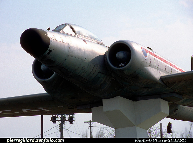 Pierre GILLARD: Avro CF-100 #100760 as monument at Saint-Hubert, QC &emdash; 2002-0026
