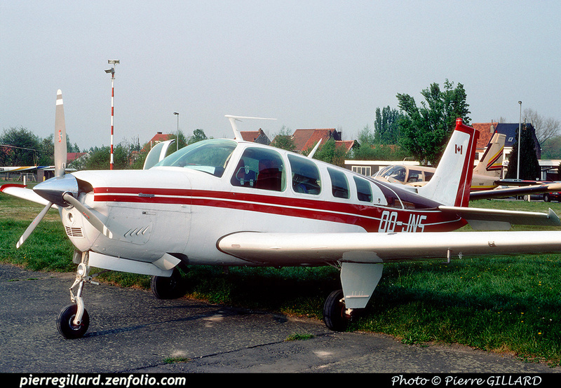 Pierre GILLARD: Private Aircraft - Avions privés : Belgium &emdash; 042474
