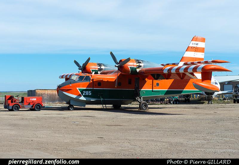 Pierre GILLARD: Canadair CL215 &emdash; 2020-426902