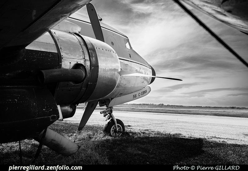 Pierre GILLARD: Douglas DC-4 &emdash; 2020-427055