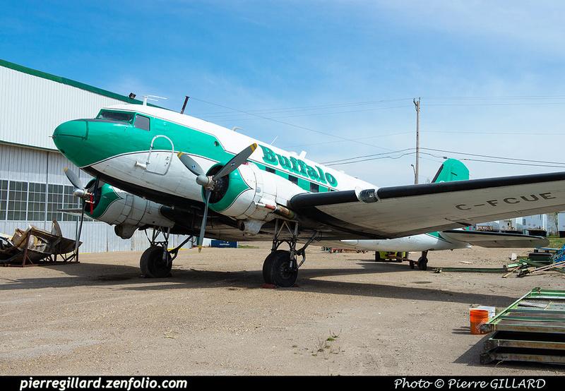 Pierre GILLARD: Douglas DC-3 &emdash; 2020-427091
