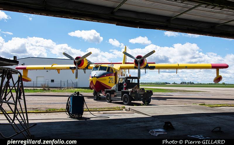 Pierre GILLARD: Canadair CL215 &emdash; 2020-427255