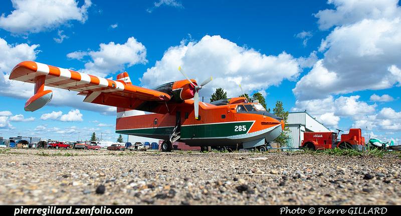 Pierre GILLARD: Canadair CL215 &emdash; 2020-427289
