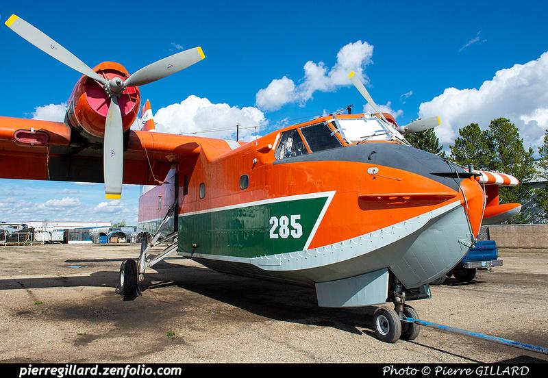 Pierre GILLARD: Canadair CL215 &emdash; 2020-427290