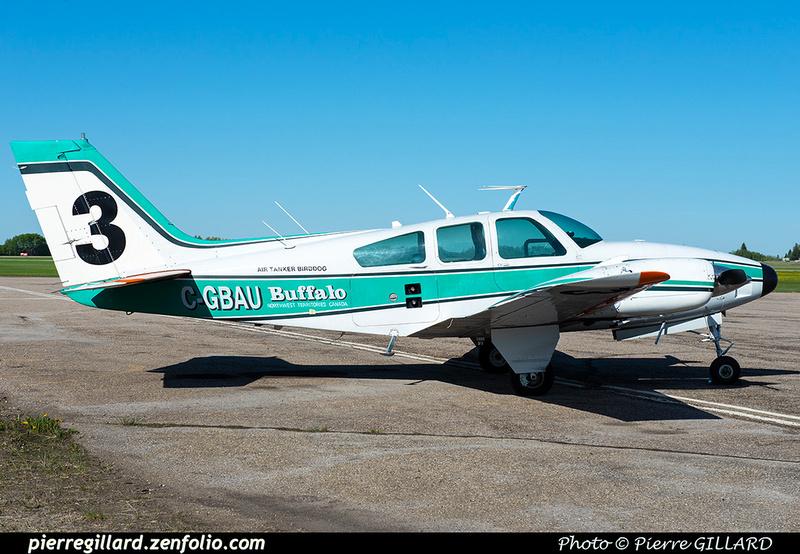 Pierre GILLARD: Beechcraft Baron &emdash; 2020-427409