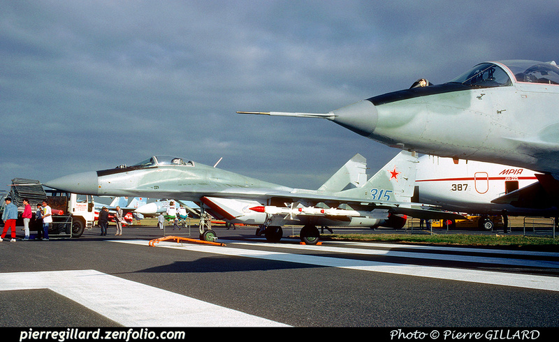 Pierre GILLARD: 1990-09-02 & 03 - Farnborough Airshow &emdash; 1990-0810