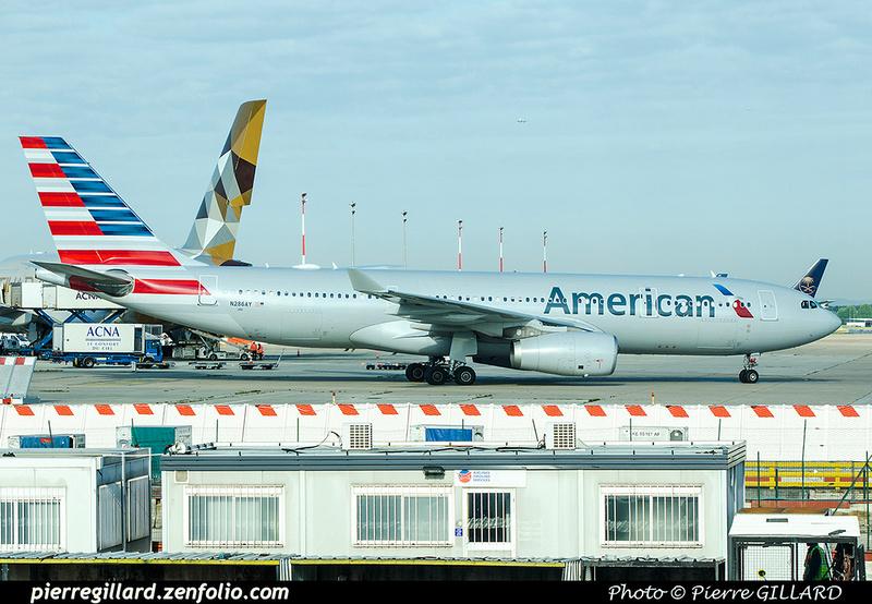 Pierre GILLARD: American Airlines & American Eagle &emdash; 2017-703544
