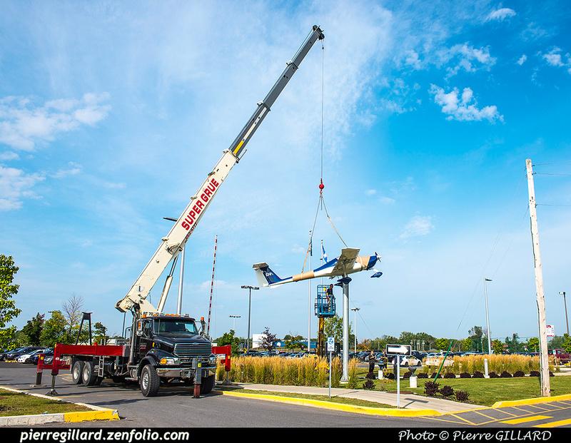 Pierre GILLARD: 2017-08-29 - Repositionnement du Katana à l'entrée de l'ÉNA &emdash; 2017-612318