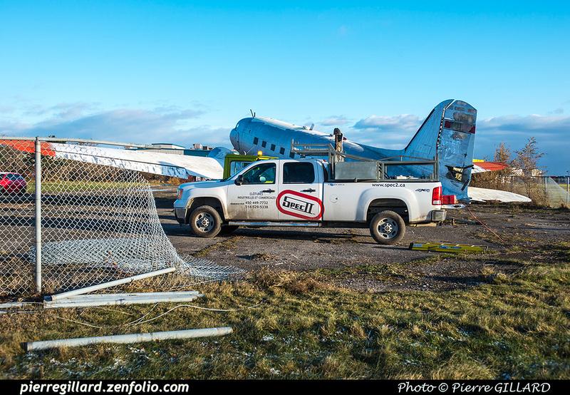 Pierre GILLARD: 2017-11-20 - Déplacement du DC-3 C-FDTD au FBO H-18. &emdash; 2017-615952