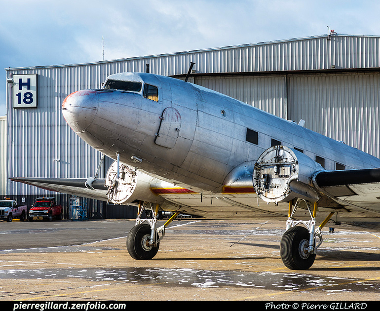 Pierre GILLARD: 2017-11-20 - Déplacement du DC-3 C-FDTD au FBO H-18. &emdash; 2017-616028