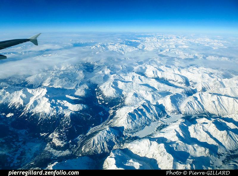 Pierre GILLARD: In Flight - En vol &emdash; 2018-PR1040576