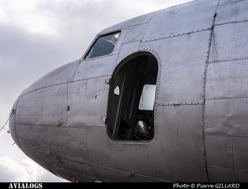 Pierre GILLARD: 2018-04-11 au ? - Réparation préliminaire de la porte avant du DC-3 C-FDTD &emdash; 2018-617011