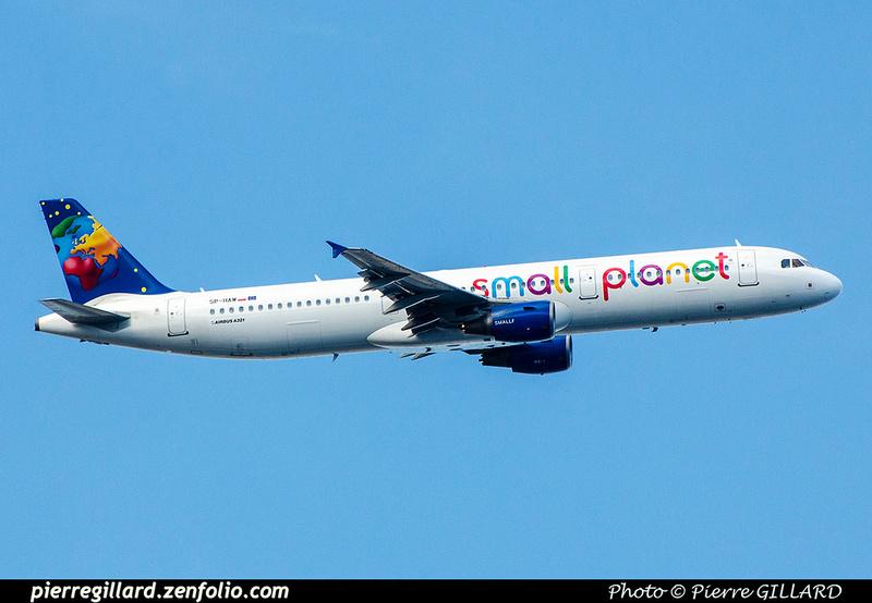 Pierre GILLARD: Small Planet Airlines &emdash; 2018-707137