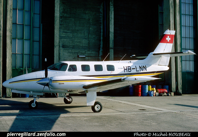 Pierre GILLARD: Private Aircraft - Avions privés : Europe &emdash; 024425