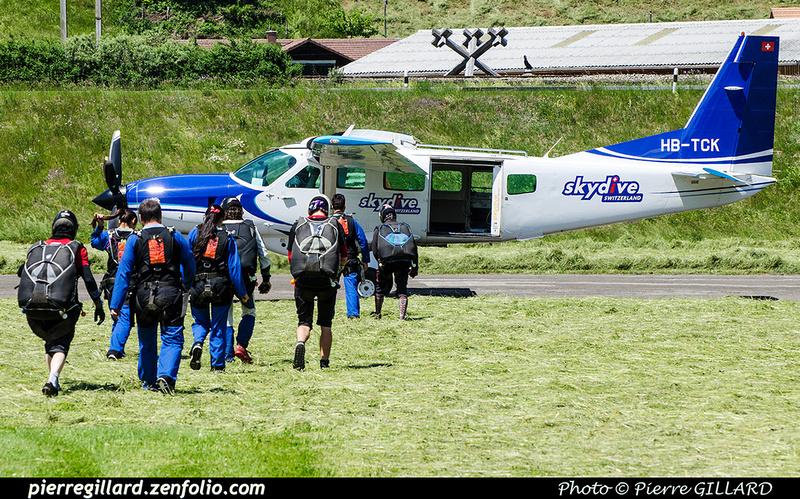 Pierre GILLARD: Parachute Jumping - Parachutisme &emdash; 2018-708227