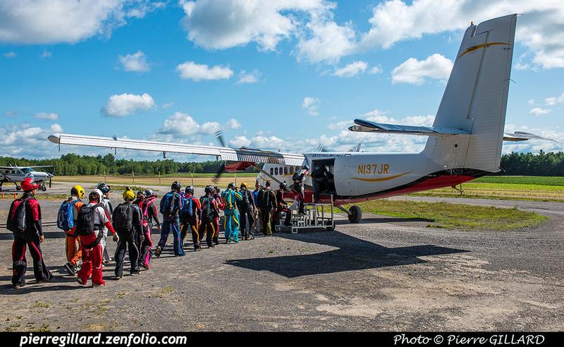Pierre GILLARD: Parachute Jumping - Parachutisme &emdash; 2018-617962