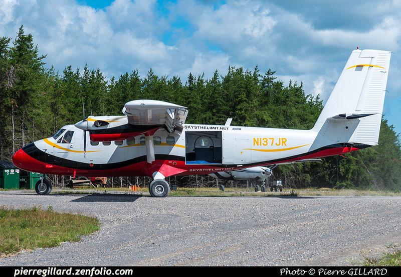 Pierre GILLARD: Parachute Jumping - Parachutisme &emdash; 2018-617988