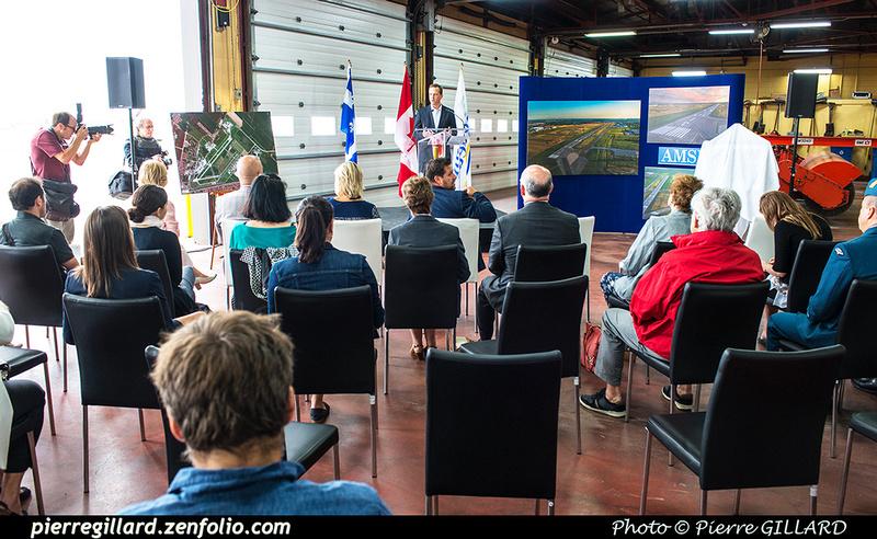 Pierre GILLARD: 2018-08-30 - Inauguration de la piste 06L/24R rénovée de Saint-Hubert et présentation du Boeing 737 de Chrono Aviation &emdash; 2018-619006