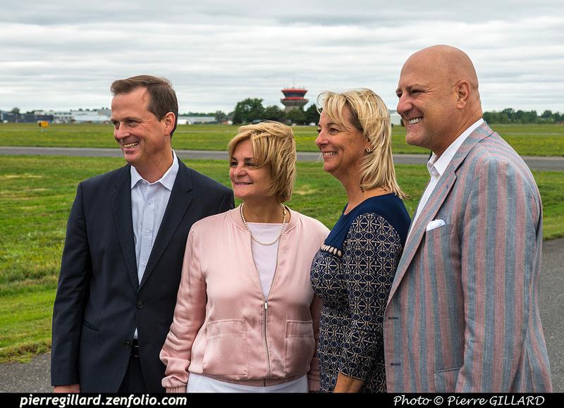 Pierre GILLARD: 2018-08-30 - Inauguration de la piste 06L/24R rénovée de Saint-Hubert et présentation du Boeing 737 de Chrono Aviation &emdash; 2018-619039
