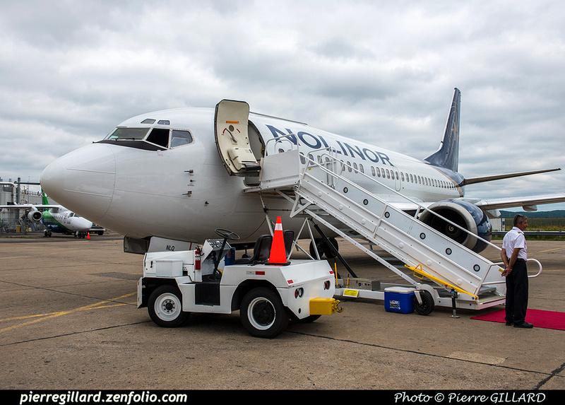 Pierre GILLARD: 2018-08-30 - Inauguration de la piste 06L/24R rénovée de Saint-Hubert et présentation du Boeing 737 de Chrono Aviation &emdash; 2018-619361