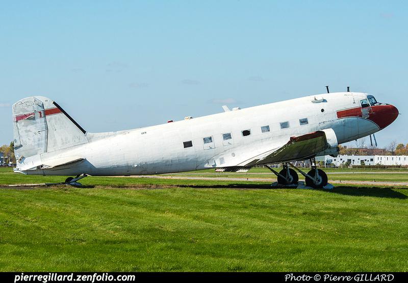 Pierre GILLARD: Douglas DC-3C C-FDTD Avialogs (Saint-Hubert, QC) &emdash; 2018-423760