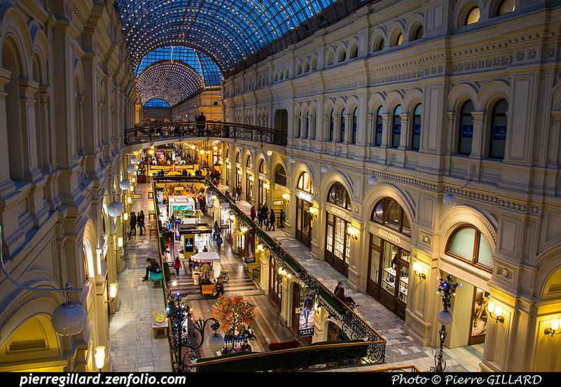 Pierre GILLARD: Moscou (Москва) : Magasins Goum - ГУМ &emdash; 2015-525497