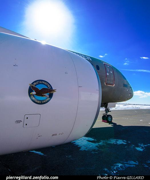 Pierre GILLARD: Bombardier CSeries CS100 C-GWXJ &emdash; 2019-711633