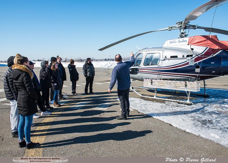 Pierre GILLARD: 2019-03-01 - Matinée d'initiation à l'hélicoptère au profit de jeunes de la Maison de Jonathan &emdash; 2019-620864