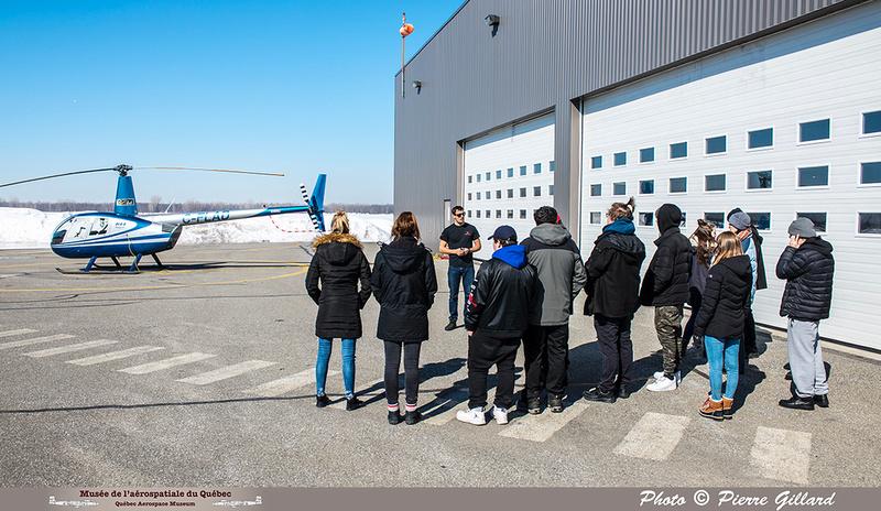 Pierre GILLARD: 2019-03-01 - Matinée d'initiation à l'hélicoptère au profit de jeunes de la Maison de Jonathan &emdash; 2019-620876