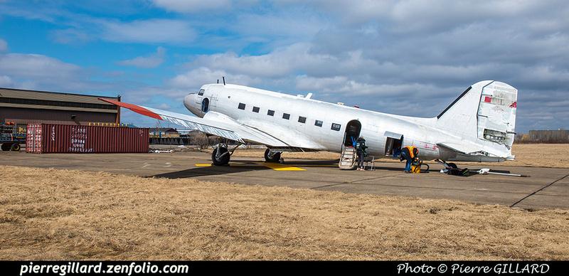 Pierre GILLARD: 2019-04-06 - Plane Savers - Ouverture du conteneur avec les pièces nécessaires à la restauration du DC-3 C-FDTD &emdash; 2019-620975