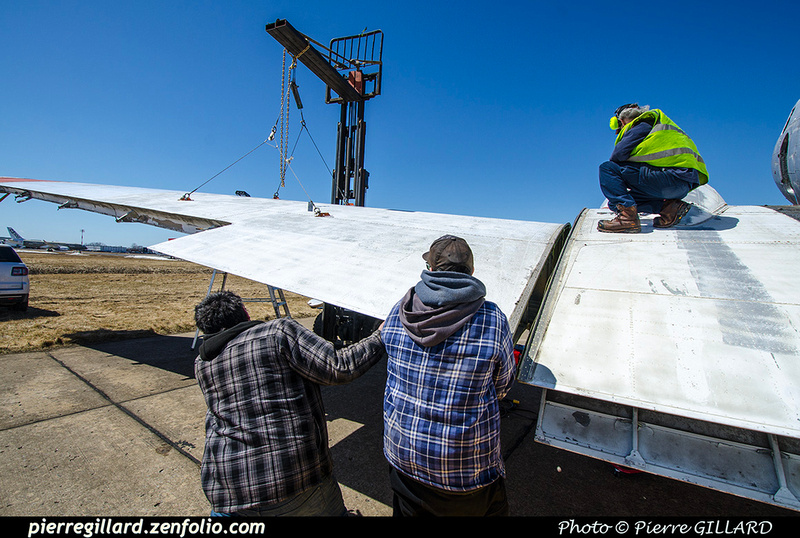 Pierre GILLARD: 2019-04-06 au 2019-06-06 (?) - Plane Savers - Restauration du DC-3 C-FDTD &emdash; 2019-711697