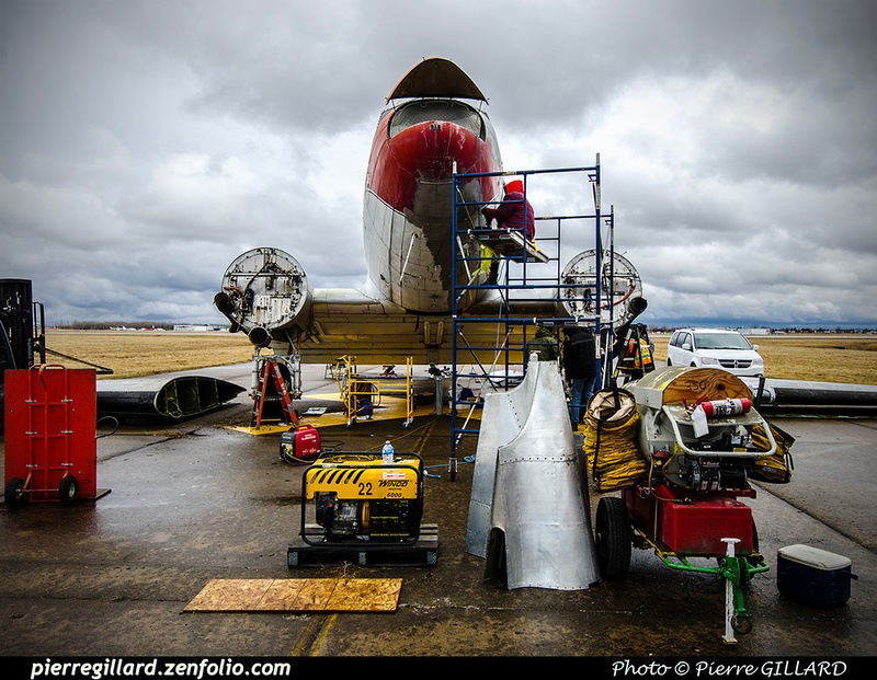 Pierre GILLARD: 2019-04-06 au 2019-06-06 (?) - Plane Savers - Restauration du DC-3 C-FDTD &emdash; 2019-711796