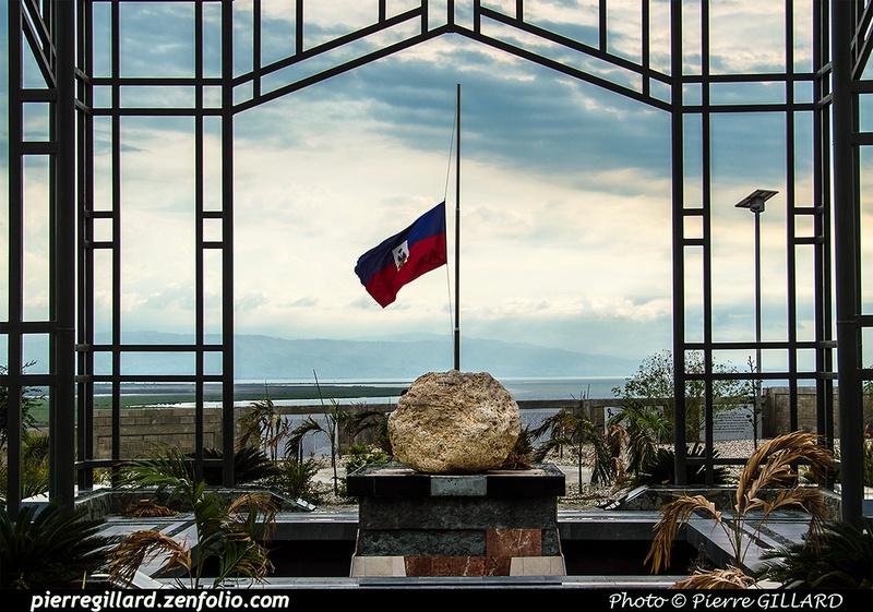 Pierre GILLARD: Saint-Christophe - Mémorial aux victimes du tremblement de terre du 12 janvier 2010 &emdash; 2017-519711