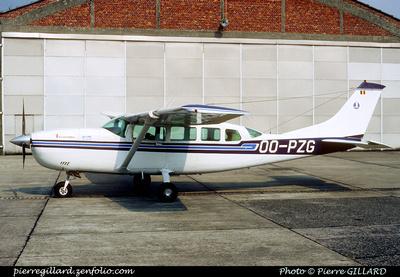 Pierre GILLARD: Aviation Sans Frontières - Piloten Zonder Grenzen &emdash; 005582