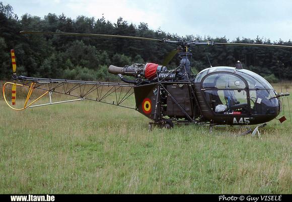 Pierre GILLARD: Aéronefs : Alouette II Astazou &emdash; A45-030130