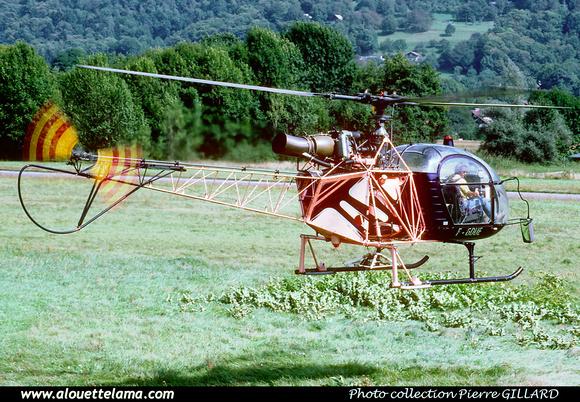 Pierre GILLARD: France - Private Helicopters - Hélicoptères privés &emdash; 006164